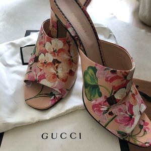 Gucci Shanghai St Blooms Sandal
